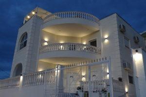 Villa A & A